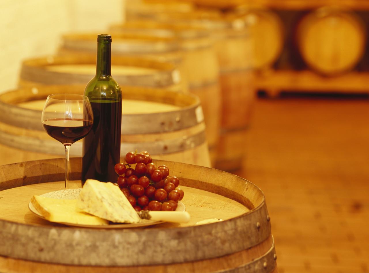 wine-tourism-j0426606.jpg